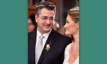 Η πρώτη φωτογραφία από τον γάμο του Απόστολου Τζιτζικώστα