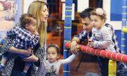 Πάνος Καλίδης-Λεάννα Μάρκογλου: Με τα παιδιά τους στον παιδότοπο