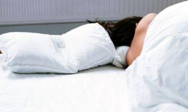 Ροχαλίζεις; 5 τρόποι για να αντιμετωπίσεις αυτό το… θορυβώδες πρόβλημα