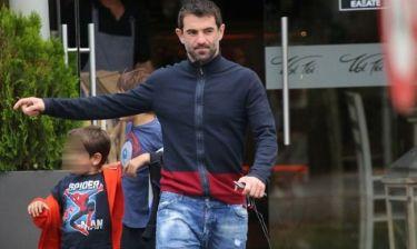 Γιώργος Καραγκούνης: Χαλαρές στιγμές με τους γιους του
