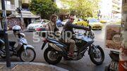 Με την μηχανή του στο κέντρο της Αθήνας ο…