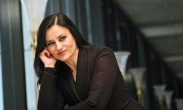 Καρυοφυλλιά Καραμπέτη: Έξοδος με την μητέρα του αγαπημένου της