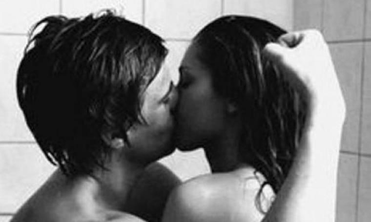 Καυτό, αξέχαστο σεξ στο ντους; Σας έχουμε όλα τα μυστικά!