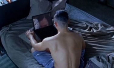 Άντρας εθισμένος στο πορνό: Οι 7 λόγοι του εθισμού & η στιγμή που καταστρέφει τη σχέση σου