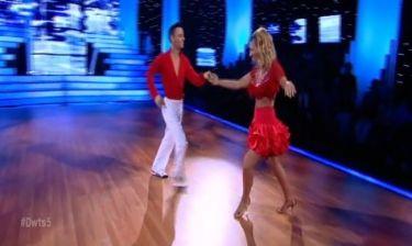 Μαρία Ηλιάκη: Στα κατακόκκινα χόρεψε salsa!