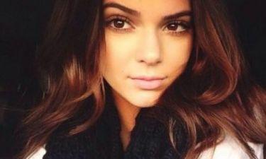 Πιο σέξι από ποτέ! Δείτε την Kendall Jenner ως… hot αγιοβασιλίτσα!