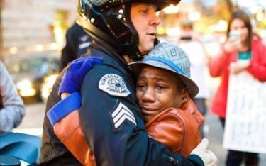 CNN: Η ιστορία της φωτογραφίας της χρονιάς