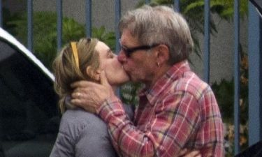 Harrison Ford: Καυτά φιλιά με την σύζυγό του