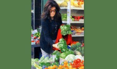 Μιμή Ντενίση: Αγορές φρούτων και λαχανικών