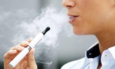 Μ. Βρετανία: Το ηλεκτρονικό τσιγάρο μπορεί να σώσει 54.000 ζωές τον χρόνο