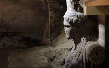 Αμφίπολη – Ο τάφος ανήκει στον Μέγα Αλέξανδρο ή στη Ρωξάνη;