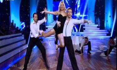 Φαίη Σκορδά: «Έκλεψε» τις εντυπώσεις με την λαμπερή και σέξι χορογραφία της!