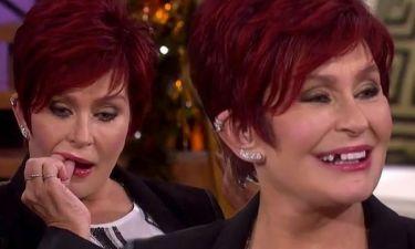 Αηδιαστικό! Της έφυγε το δόντι on air!