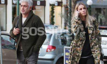 Αντώνης Νικοπολίδης: Βόλτα με την σύζυγό του στην Γλυφάδα
