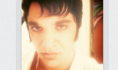 Απίστευτο! Κι όμως είναι πασίγνωστος Έλληνας τραγουδιστής
