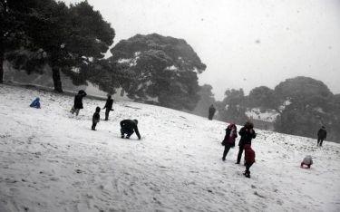 Καιρός: Πέφτει η θερμοκρασία – Δείτε πού θα χιονίσει