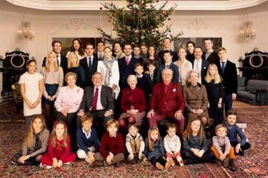 Παραδοσιακά Χριστούγεννα για τους γαλαζοαίματους (φωτό)