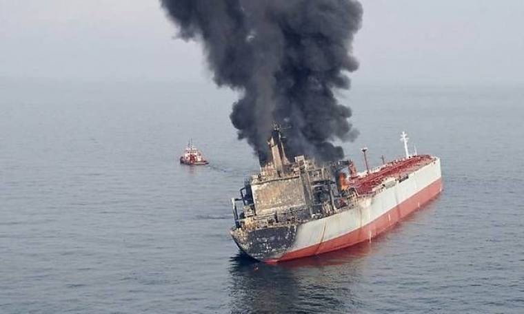 Στις φλόγες πλοίο με 466 επιβάτες