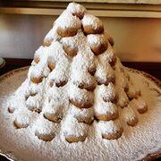 Μπακογιάννη: Το χριστουγεννιάτικο δέντρο και τα γλυκά που έφτιαξε με τις συνταγές της Μαρίκας