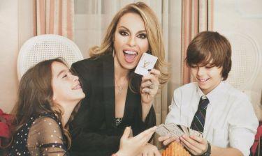 Ιωάννα Σουλιώτη: Φωτογραφίζεται με τα παιδιά της και μιλά για όλα!