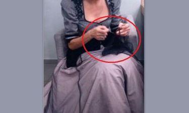 Ποια πρωταγωνίστρια «μαντάρει» μόνη της τα ρούχα της παράστασης στην οποία παίζει;