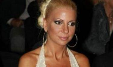 Στέλλα Μπεζαντάκου: «Θέλω να γίνω μάνα»