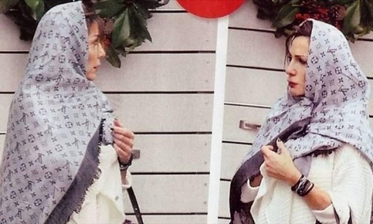 Δέσποινα Βανδή: Άνοιξε πέτρα για να μπω, φοράω μαντήλι Louis Vuitton