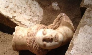 Αμφίπολη: Βρέθηκαν κι άλλες αρχαίες κατασκευές στον Τύμβο