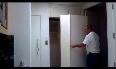Αυτή η ντουλάπα κρύβει ένα απίστευτο μυστικό... (vid)