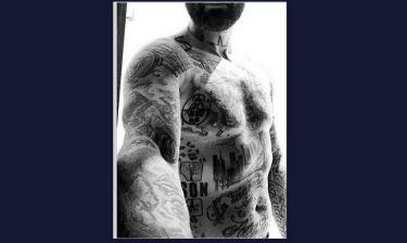 Γέμισε το κορμί του με τατουάζ ο…