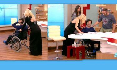 Η Ελένη «έπαθε πλάκα» όταν είδε τον Κουτσογιαννόπουλο με αναπηρικό καροτσάκι
