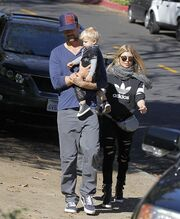 Josh Duhamel-Fergie: Βόλτα με τον γιο τους