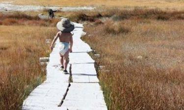 Τα ταξίδια ενός 2χρονου που από νεογέννητο έκανε το γύρο του κόσμου! (εικόνες)