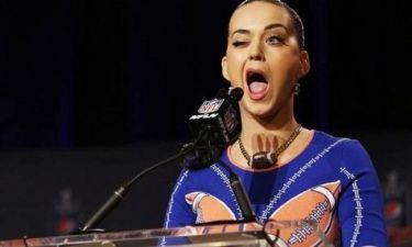 Υποσχέθηκε ... λιοντάρια και καρχαρίες στο Super Bowl η Κέιτι Πέρι (video)