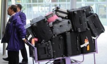 Συγνώμη που τις πάει; Διάσημη ηθοποιός ταξίδεψε μόνο(!) με... 12 βαλίτσες