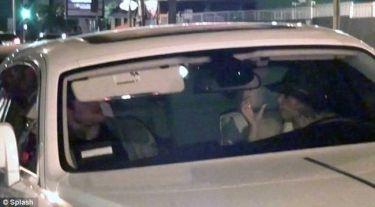 Χθες βράδυ. Μοντέλο του Αρναούτογλου έφαγε σφαλιάρες από τον πρώην της (Nassos blog)