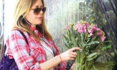 Τζένη Μπαλατσινού: Λατρεύει τα λουλούδια!