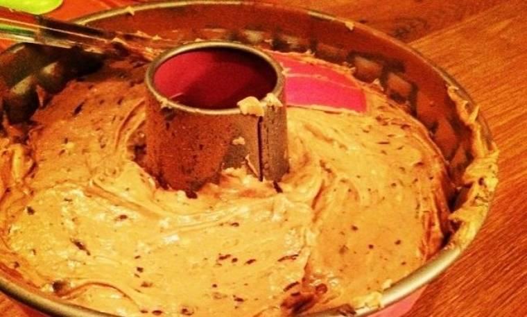 Κέικ από τα χεράκι της…