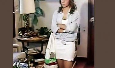 Απίστευτο! Ελληνίδα παρουσιάστρια έπαιζε σε βιντεοκασέτα πριν 28 χρόνια