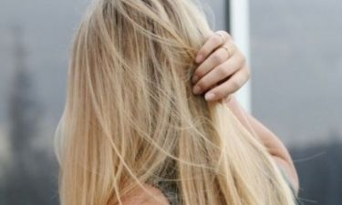 Ξηρά μαλλιά που φριζάρουν συνεχώς; Η αλόη θα σας σώσει!