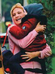 Φαίη Σκορδά: Στιγμές με τον μεγάλο της γιο!