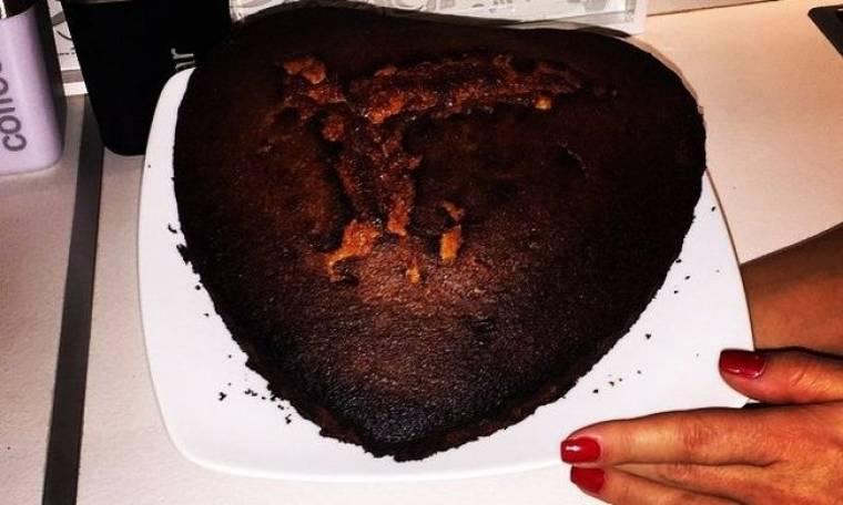 Έκαψε το κέικ και δηλώνει αχαΐρευτη