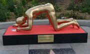 Oscars 2015: Το χρυσό άγαλμα που… σνιφάρει κοκαΐνη