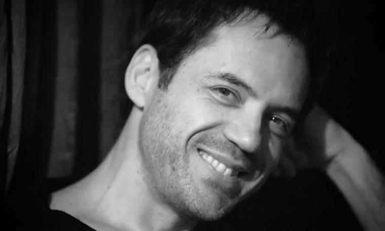 Θάνος Καλλίρης: Το πρόβλημα υγείας που τον αναγκάζει να αναβάλλει τις εμφανίσεις του