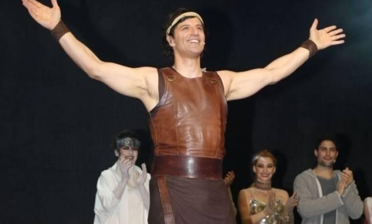 Ο Σάκης, ο «Ηρακλής» και η φιλανθρωπική παράσταση