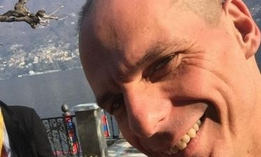 H selfie του Γιάνη Βαρουφάκη στη λίμνη Κόμο!