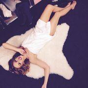 Kylie Minogue: Δείτε την μόνο με την πετσέτα της