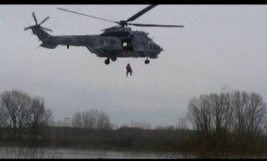 Η δραματική διάσωση του πιλότου του Τσέσνα που κατέπεσε στον Αξιό (Video)