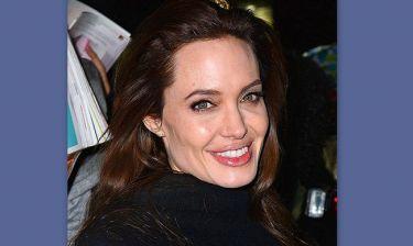 ΣΟΚ: H Angelina Jolie αφαίρεσε και τις ωοθήκες της
