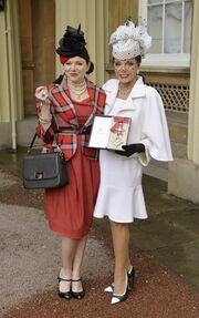 Joan Collins: Πήρε τίτλο ευγενείας από τον πρίγκιπα Κάρολο